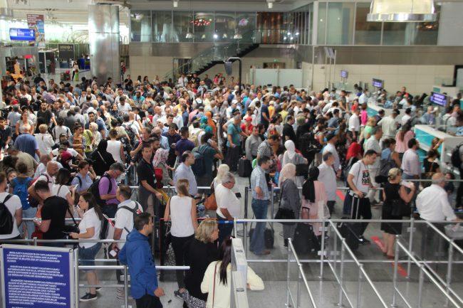 AHL 2012–17 yıllarında ABD nüfusundan fazla yolcu ağırladı