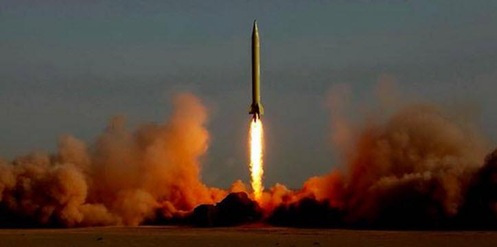 İran yeni balistik füze denedi