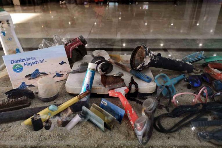 Sabiha Gökçen Havalimanı'nda sıfır atık sergisi açıldı