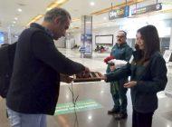 İSG'de Gümrük Muhafa Personeli'nden çiçekli karşılama
