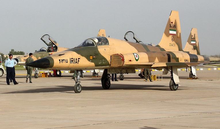 İran 3 Kevser uçağını orduya teslim etti