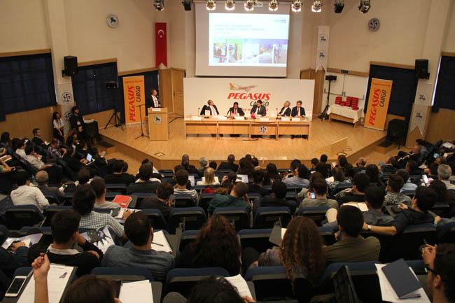"""""""Uluslararası Taşımacılık ve Lojistik Konferansı"""" öğrencilerle yapıldı"""