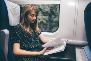 Yolculuk'ta bir şey okurken neden midemiz bulanır