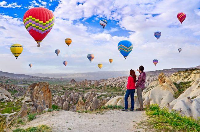 Sevgililer Günü'nde, aşkın rotası Kapadokya'da balon sefası