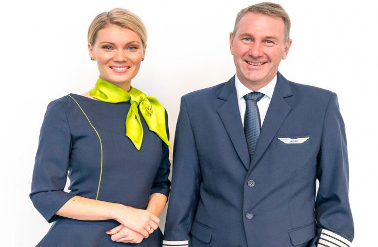 Letonya havayolu airBaltic, yeni üniformalarını tanıttı