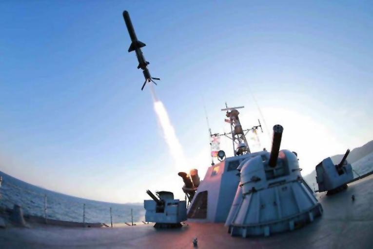Kuzey Kore 2 Mart'tan itibaren 5 füze denemesi yaptı