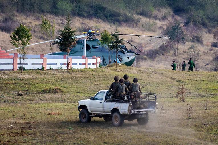 Myanmar)da Mi-17 inişte kaza yaptı