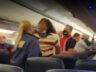 Spirit uçağında maske kavgası